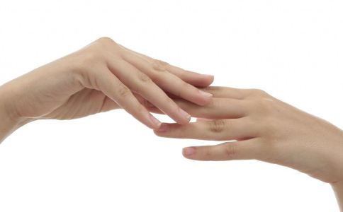经常咬指甲对身体有哪些危害 怎么预防甲沟炎 甲沟炎该怎么预防