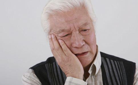 老人能泡温泉吗 老人泡温泉有什么好处 老人泡温泉要注意什么
