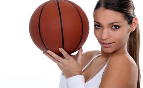 女生打篮球的好处 怎么打好篮球 打篮球的注意事项