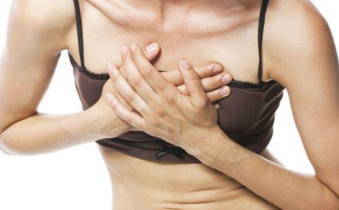 乳房有硬块怎么办 乳房有硬块正常吗 乳房有硬块怎么回事