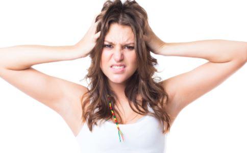 女人性欲旺盛正常吗 性欲亢进是什么 女性性欲亢进怎么办