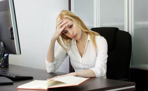 经前期心情烦躁是什么原因 经前期心情烦躁怎么办 怎么缓解经前期紧张综合症