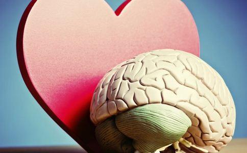 女婴心脏长在体外 女婴患罕见心脏异位症 心脏长在体外