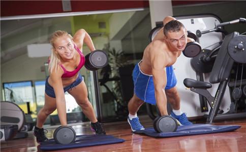 胸肌不对称怎么办 胸肌怎么练对称 怎么锻炼胸肌