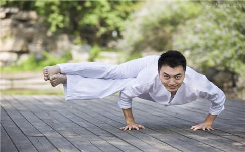 适合男性的瑜伽 男性练瑜伽好处 瑜伽练习的注意事项