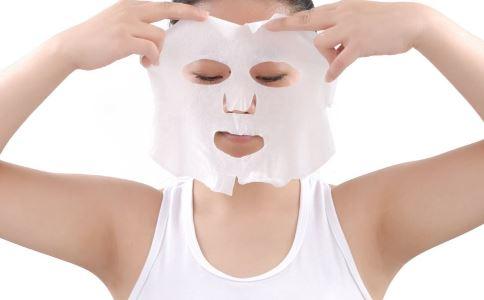 面膜敷完后要洗脸吗 敷面膜要注意什么 面膜敷完后该怎么办