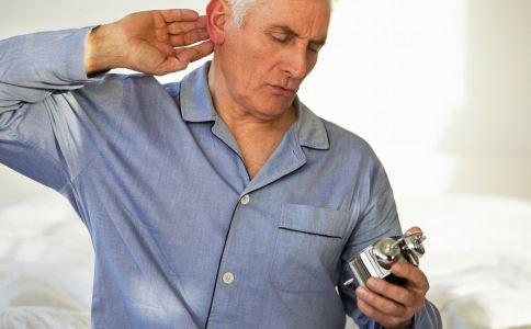老人冬季如何护腰 老人冬季护腰要注意什么 老人冬季护腰的方法有哪些
