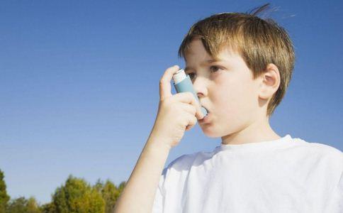 男童飞机发病被救 如何预防过敏性哮喘 预防过敏性哮喘的方法