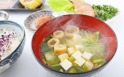 冬季吃什么能驱寒 冬季怎么驱寒 冬季驱寒吃什么