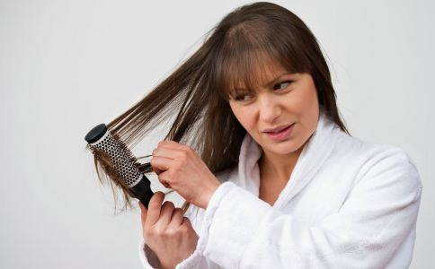 产后脱发是什么回事 为什么会产后脱发 怎么预防产后脱发