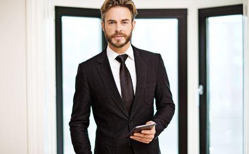 男人西装怎么穿 上班族男人该怎么穿 男人怎么穿衣服好