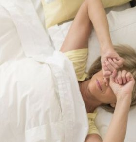 女性经常乳房疼痛是怎么回事 女性乳痛怎么办 女性经常乳痛怎么按摩