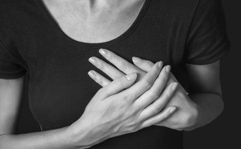 乳房有硬块是癌吗 乳房有硬块怎么办 乳房有硬块的原因