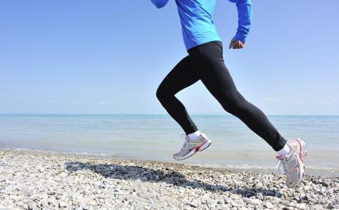 中午跑步好吗 中午可以跑步减肥吗 什么时候跑步最好