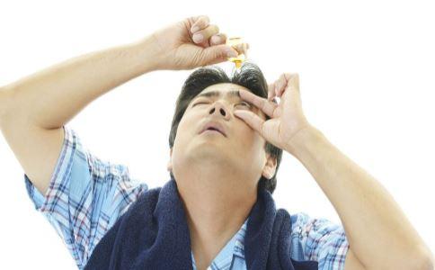 怎么滴眼药水 如何点眼药水 滴眼药水注意什么