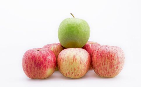 老人吃坚果好吗 老人吃什么坚果好 老人吃什么能养生