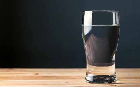 冬季怎么喝水好 冬季如何正确喝水 冬季喝水的方法