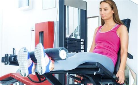 下腹肌应该怎么练 锻炼下腹肌的方法 锻炼腹肌的注意事项