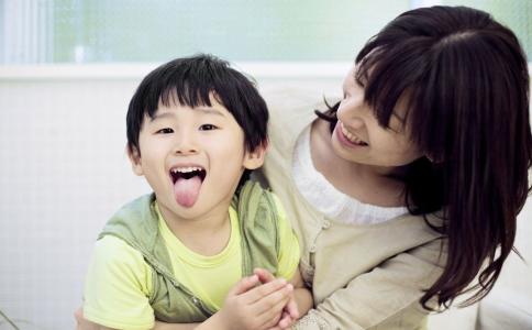 幼儿荨麻疹要怎么治疗 治疗幼儿荨麻疹的方法 怎么治疗幼儿荨麻疹的方法