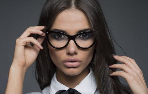 中医馆按摩能治愈近视 如何预防近视 近视的预防方法