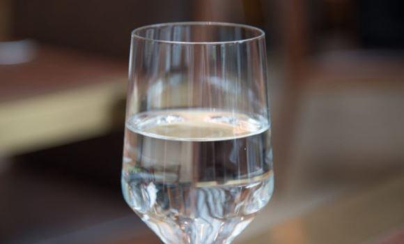 哪些食物会导致耳聋,国际爱耳日,喝白酒会导致耳聋吗
