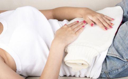 月经期间水肿怎么回事 月经期间身体虚胖什么原因 来月经水肿虚胖怎么办
