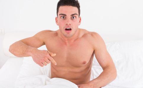 男性裸睡能提高性能力吗 男性裸睡有什么好处 裸睡的好处是什么