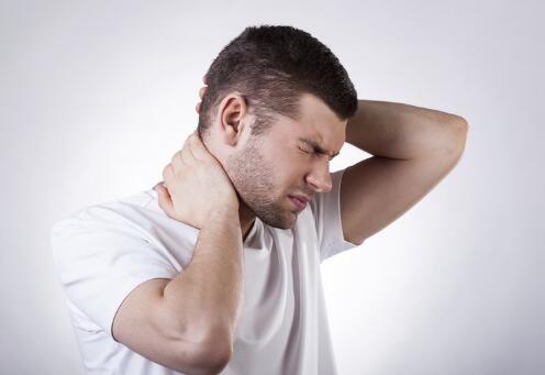 颈椎病的原因 如何预防颈椎病 颈椎病有哪些症状
