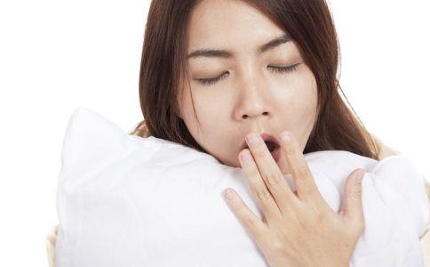 更年期失眠的危害有哪些 更年期失眠怎么办 更年期失眠如何调理