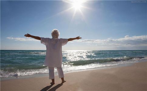 老年人冬季晨练 要健康得这样做