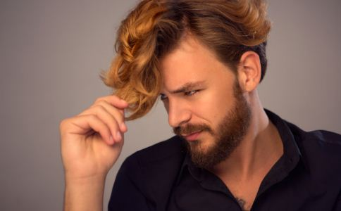 男人为什么会脱发 男人脱发的原因有哪些 男人怎么预防脱发