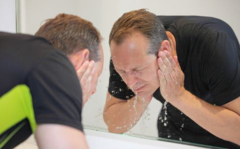 男人怎么保养皮肤 男人皮肤怎么保养 吃什么可以保养皮肤