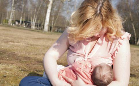 宝宝吐奶怎么办 宝宝吐奶怎么缓解 宝宝吐奶什么原因