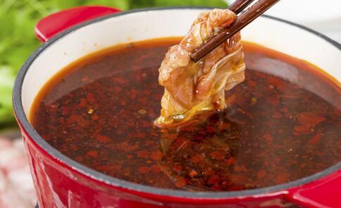巨型火锅亮相重庆 吃火锅注意哪些事 吃火锅注意什么好