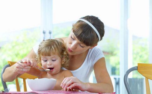 儿童饮食有哪些要求 儿童饮食要注意什么 儿童饮食需注意哪些