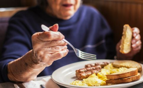 高血脂怎么预防 如何预防高血脂 高血脂的饮食禁忌有哪些