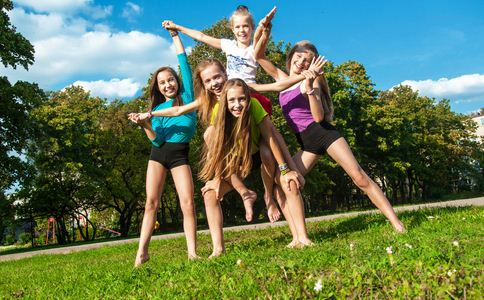12岁女孩爆红健身圈 儿童健身注意哪些事 儿童健身注意什么