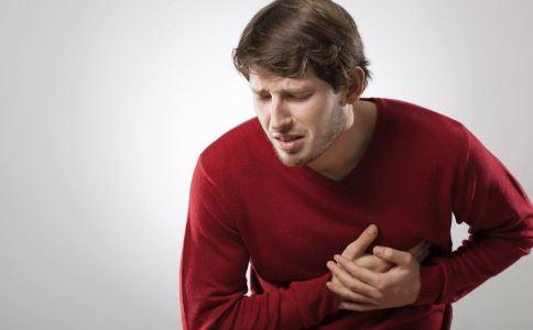 如果出现这些症状,可能是心脏病发作。