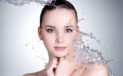 女性20岁要如何护肤 20岁护肤的正确步骤是什么 吃什么食物对皮肤好