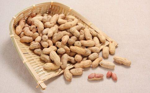 经期吃钙片丰胸吗 经期丰胸的方法 经期丰胸食谱