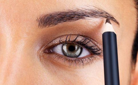 修眉的方法 如何画出自然眉毛 怎么画眉毛