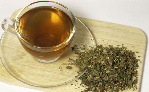 便秘喝什么茶 便秘喝什么能治疗 便秘吃什么食物好