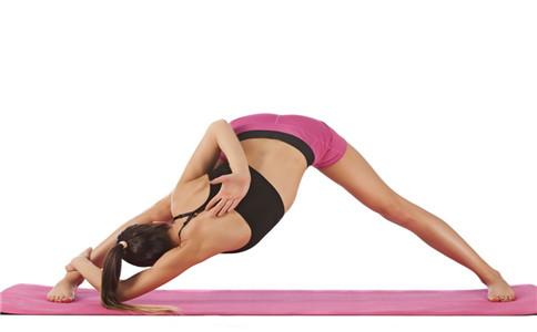 如何放松颈部 放松颈部的方法 瑜伽如何放松颈部