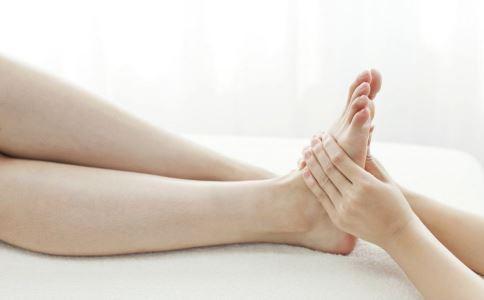 脚底发热是怎么回事 脚底发热怎么办 脚底发热日常如何护理