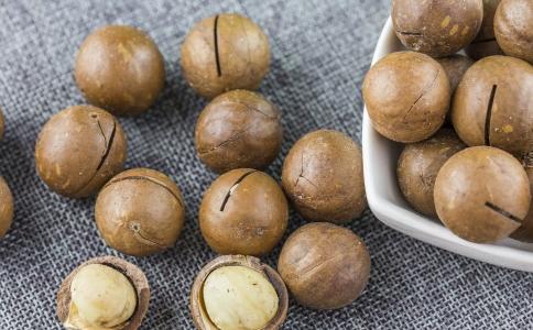 坚果怎么吃不会胖 吃坚果不长胖的方法有哪些 吃坚果会长胖吗