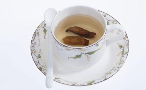 女人喝牛蒡茶的好处 女人喝牛蒡茶的功效与作用 牛蒡茶的泡法