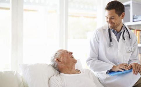 骨质疏松的症状有哪些 怎么预防骨质疏松 骨质疏松该怎么预防