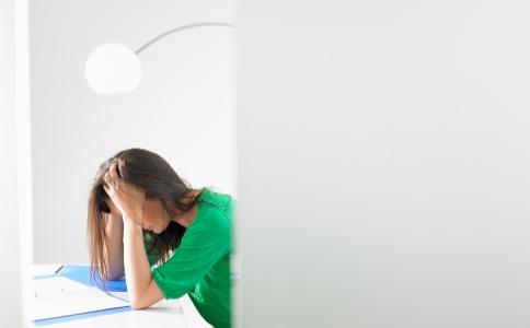 考前焦虑怎么办 考前很焦虑怎么减压 考前焦虑要怎么对待