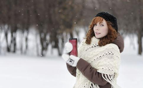 下雪天孕妇出行要注意什么 下雪天孕妇出行 孕妇赶上下雪天怎么办