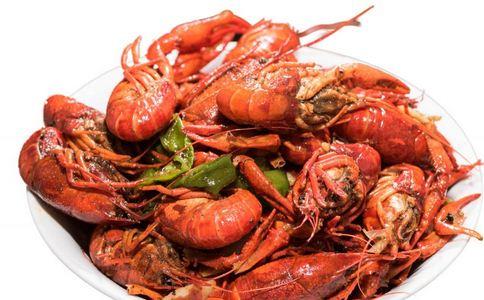 渔民捕获婴儿大小龙虾 龙虾有什么营养 龙虾的饮食禁忌